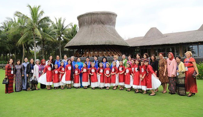Naman Retreat - Resort chứng kiến cuộc gặp lịch sử giữa các đệ nhất phu nhân tham dự APEC - ảnh 1