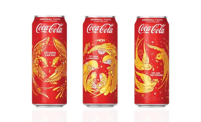 """3 họa sĩ trẻ đương đại giúp Coca-Cola """"thay áo Tết"""" ra sao?"""
