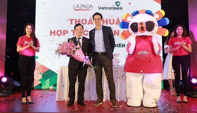 Lazada và Vietcombank hợp tác thanh toán xuyên biên giới: Thêm cơ hội mua hàng ngoại cho người tiêu dùng Việt