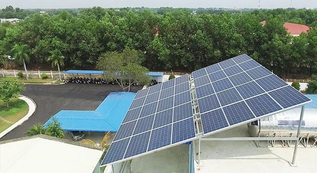 Doanh nghiệp dùng điện mặt trời giảm đến 100% tiền điện