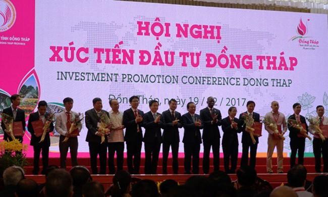 VPBank trao thỏa thuận vay vốn cho các DN SMEs tại Đồng Tháp