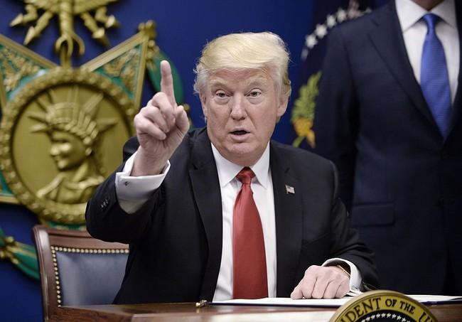 Toàn cảnh 19 văn bản hành pháp mà Donald Trump đã ký trong 14 ngày qua