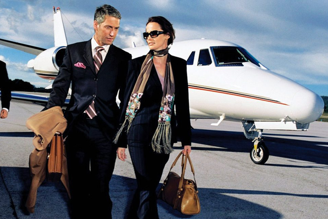 Tiết lộ gây sốc về những dịch vụ xa hoa không tưởng trên những chuyến bay cá nhân hạng sang chỉ dành riêng cho giới siêu giàu