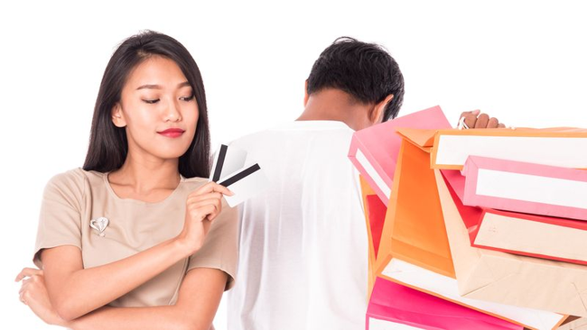 Sai lầm nhiều người mắc khi mua sắm trực tuyến, không nhận ra sớm bạn dễ đưa ra các quyết định tồi khi đặt hàng