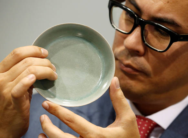 Chiếc bát sứ 900 năm tuổi thời Tống được bán với giá 856 tỷ đồng, lập kỷ lục đấu giá tại Sotheby Hồng Kông