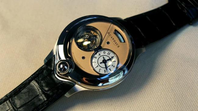 Bất ngờ với chiếc đồng hồ bất đối xứng đầu tiên, trên thế giới chỉ có 8 chiếc