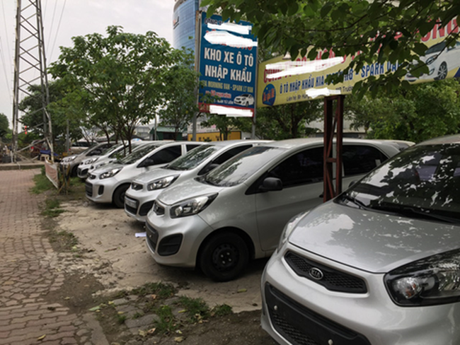 Nhiều đại lý ô tô ngừng hoạt động vì giá xe giảm mạnh