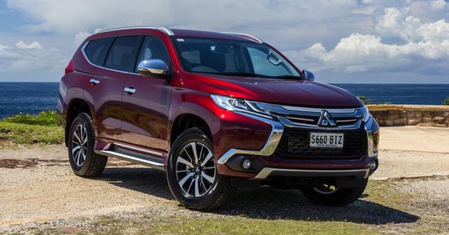 """Hãng ô tô Nhật gây sốc khi giảm giá hơn 200 triệu đồng cho mẫu xe hơi """"xịn"""" nhất"""