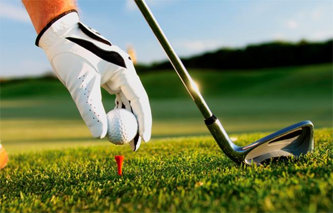 """Những cây gậy golf """"đắt xắt ra miếng"""" mà tay chơi nào cũng mê mẩn"""