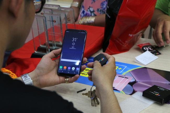 Quy mô lớn nhất Việt Nam nhưng tính theo số máy Galaxy S8 bán trên mỗi cửa hàng, TGDĐ kém rất xa FPT Shop, thậm chí cả CellphoneS