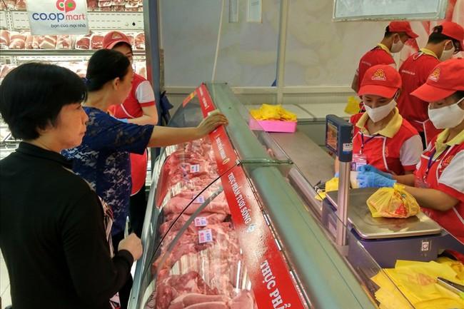 Người Sài Gòn giảm ăn thịt heo sau vụ heo bị tiêm thuốc an thần