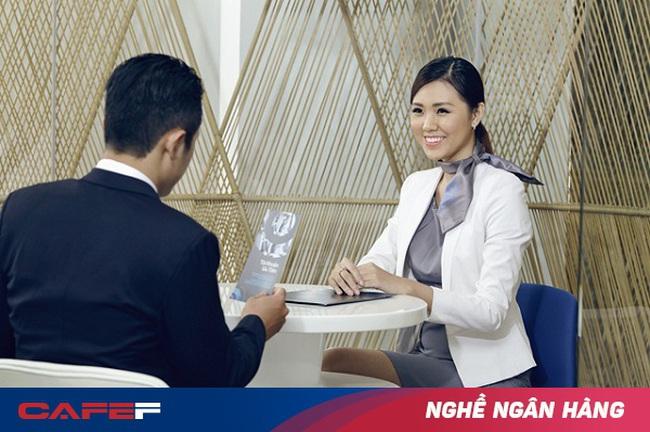 Làm nhân viên ngân hàng chăm sóc khách VIP khó hay dễ?