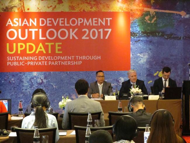 ADB hạ dự báo tăng trưởng GDP năm 2017 của Việt Nam xuống 6,3%