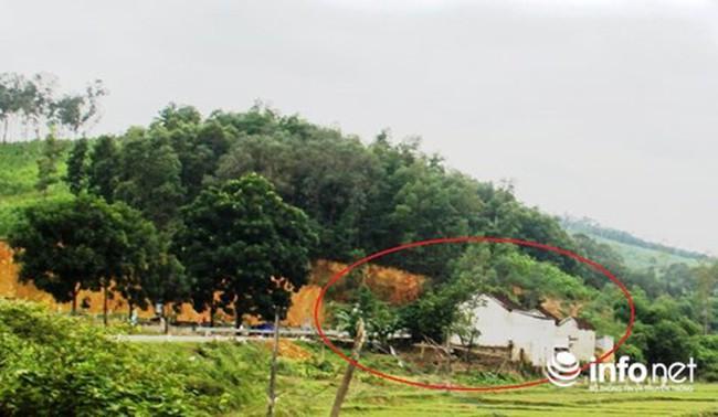 """Nghệ An: Dân """"vô tư"""" làm nhà trên đất hành lang đường mòn Hồ Chí Minh"""