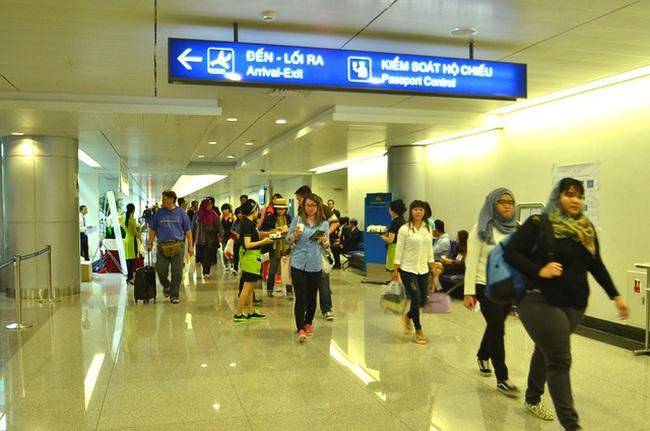 Việt Nam thí điểm cấp thị thực điện tử cho người nước ngoài