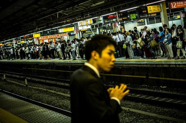 """Bi kịch nam giới không việc làm  - Ngòi nổ của """"quả bom dân số"""" Nhật Bản"""