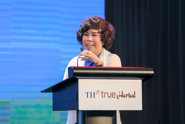 """Tập đoàn TH ra mắt dòng sản phẩm mới TH true Herbal tại Hội thảo """"Thảo dược thiên nhiên với sức khỏe con người"""""""