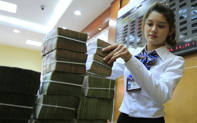 Sau Eximbank, LienVietPostBank liệu có bán vốn tại Sacombank?