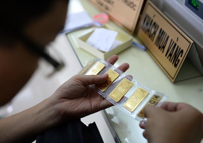 """Giá vàng miếng """"trôi"""" về dưới mốc 36,3 triệu đồng/lượng"""
