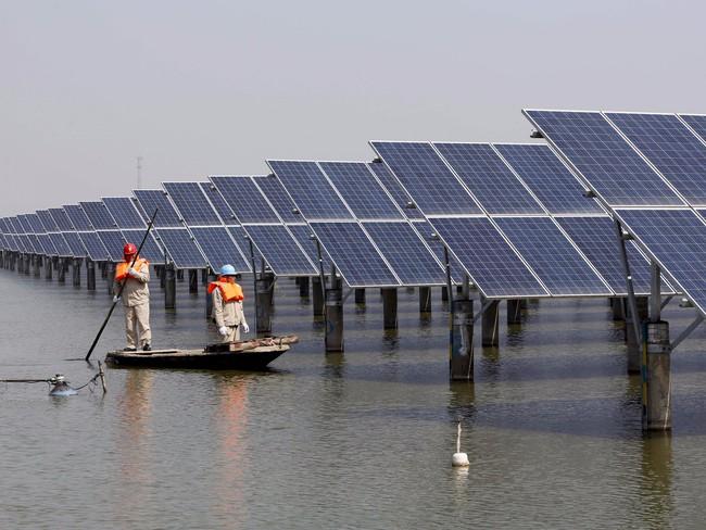 Trang trại năng lượng mặt trời lớn nhất thế giới và quyết tâm chuyển mình của Bắc Kinh
