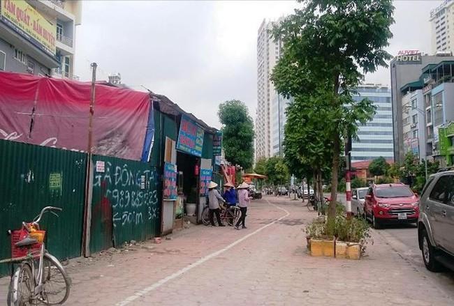 Quy hoạch ki ốt bám đường trăm tỷ giữa Thủ đô