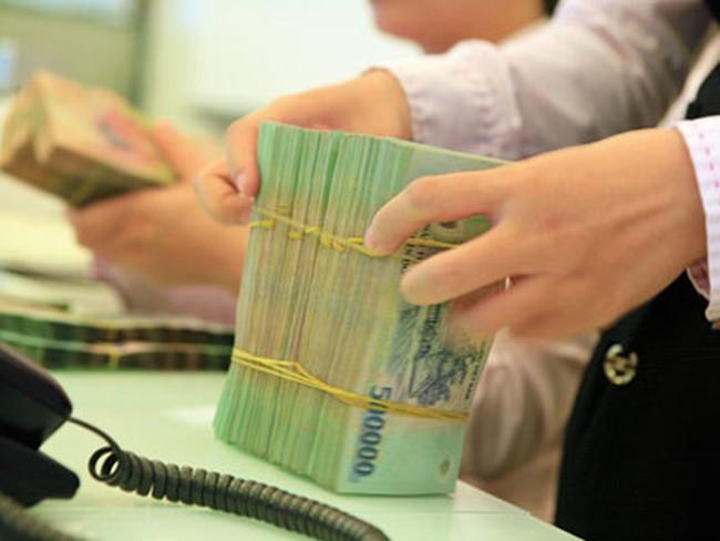 Nhân viên ngân hàng nào làm việc hiệu quả nhất?