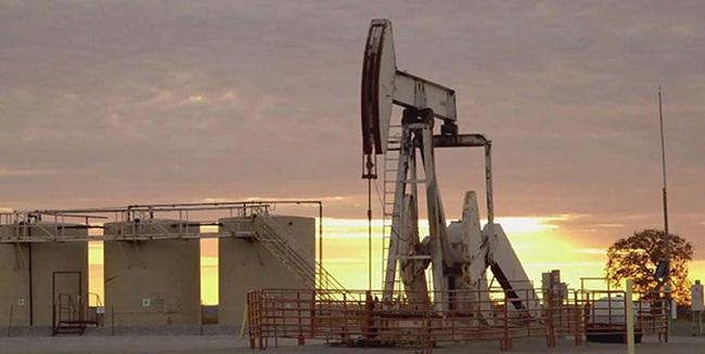 Giá dầu quay đầu tăng do tồn kho ở Mỹ được dự báo giảm