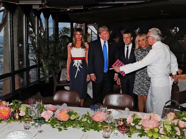 Bữa ăn độc đáo trên đỉnh tháp Eiffel của hai gia đình quyền lực bậc nhất thế giới