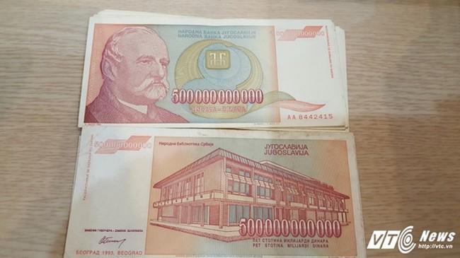 """Tờ dinar Nam Tư 500 tỷ bất ngờ """"cháy hàng"""" ở Việt Nam"""
