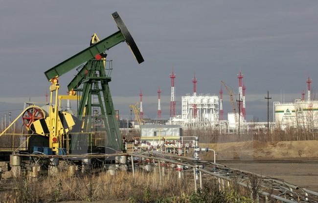 WB dự báo giá dầu năm 2017 vẫn giữ nguyên mức 55 USD mỗi thùng