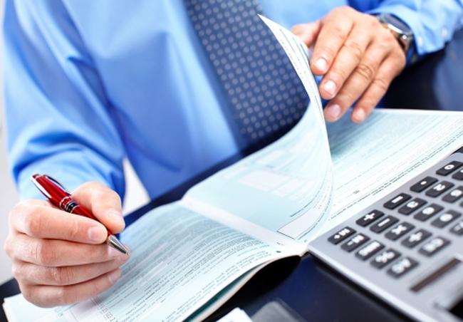 Ngân hàng đóng tài khoản phải thông báo cho chủ tài khoản biết