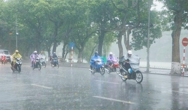 Xuất hiện bão Pakhar gần biển Đông, cả nước mưa rào và dông