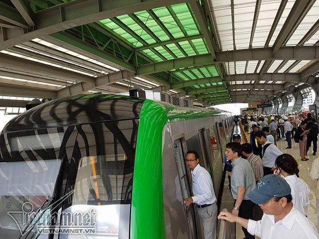 Đang mở cửa tham quan nhà ga đường sắt trên cao Cát Linh-Hà Đông