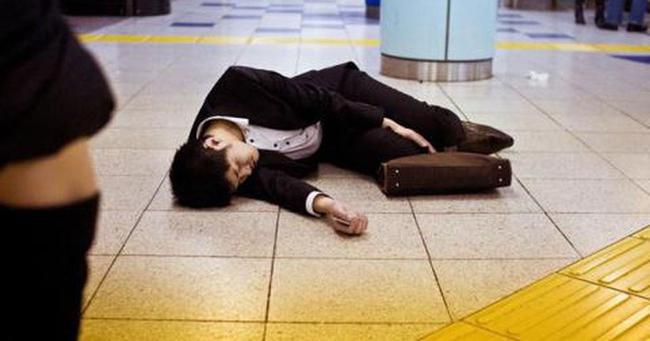 """Vấn nạn nhức nhối đằng sau những cái chết """"vì trung thành tuyệt đối"""" ở Nhật Bản"""