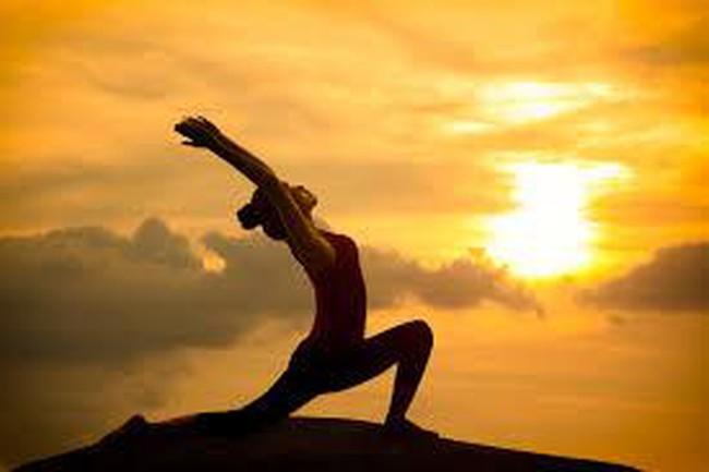 Triết lý sâu sắc đằng sau việc luyện tập Yoga: Nguyên tắc để có sức khỏe tâm trí