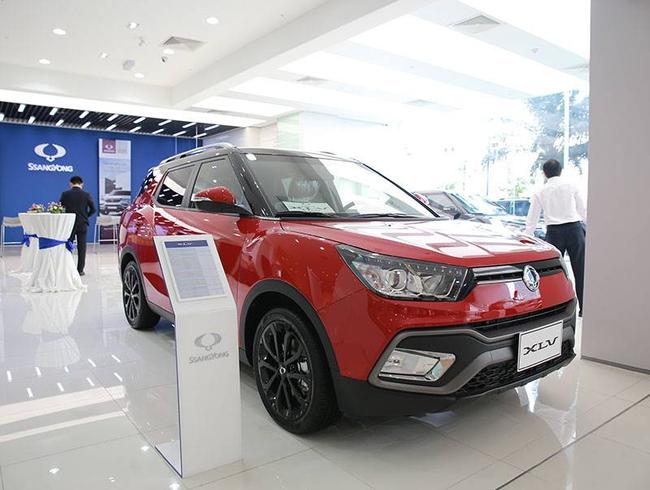 Xe Hàn SsangYong bất ngờ giảm giá 180 triệu đồng