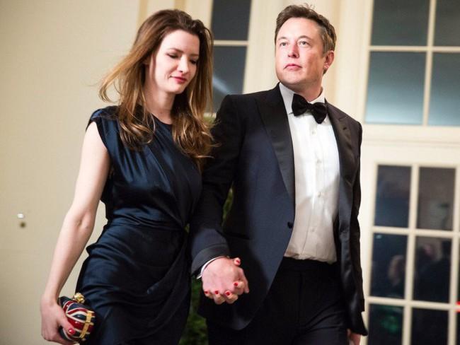 Tỷ phú Elon Musk lần đầu tiên chia sẻ về cuộc sống tình cảm phức tạp của mình