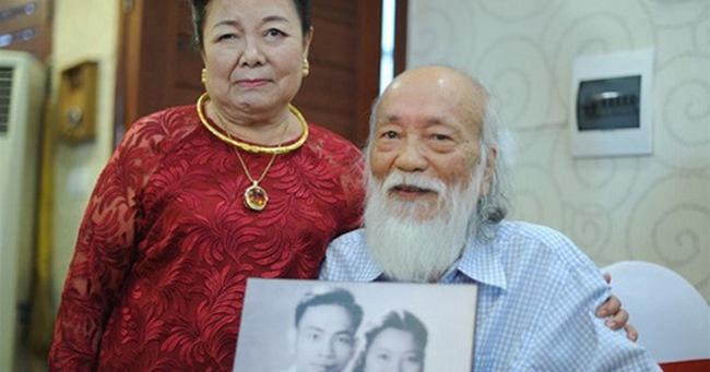 """Chuyện tình yêu 56 năm của PGS Văn Như Cương và vợ: Để đi hết cuộc đời vẫn nắm tay nhau và nói """"Anh yêu em"""""""