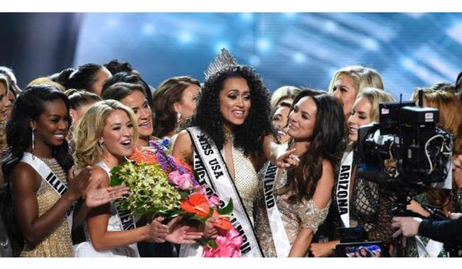 Ai bảo người đẹp là không thông minh: Một nhà hóa học nguyên tử vừa lên ngôi hoa hậu Mỹ