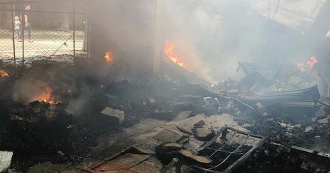 Chùm ảnh: Hiện trường tan hoang sau đám cháy lớn tại chợ Tân Thanh