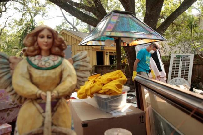 Ảnh: Cuộc sống bộn bề khó khăn của người dân Texas sau bão Harvey