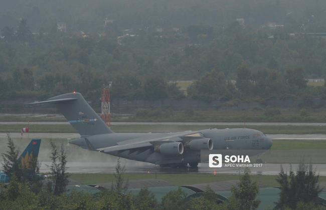 4 vận tải cơ C-17 Mỹ lần lượt đáp xuống Đà Nẵng, vận chuyển trang bị quan trọng phục vụ ông Trump ở APEC