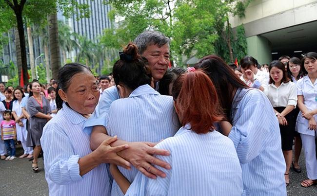 Tấm lòng GS. Nguyễn Anh Trí qua lời kể của nhân viên và người bệnh