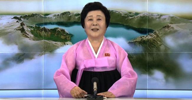 """Quý bà áo hồng Triều Tiên - Người phụ nữ quyền lực khiến """"kẻ thù phải run sợ"""""""