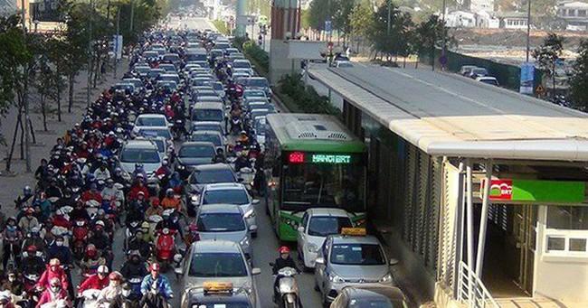 """Giao thông Hà Nội khó """"thông minh"""" nếu liên tục tắc đường, kẹt xe"""