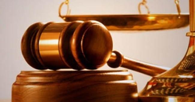 Giao dịch cổ phiếu HQC, Trưởng BKS Địa ốc Hoàng Quân bị phạt 50 triệu đồng