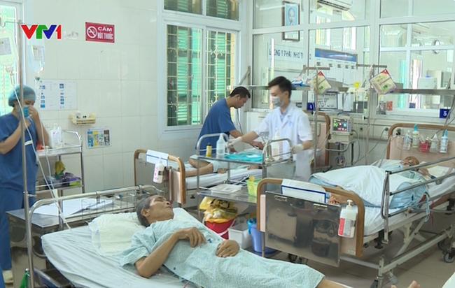 Người không có bảo hiểm y tế gặp khó khi giá dịch vụ y tế tăng