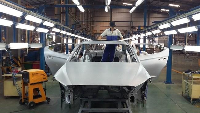 Mọi doanh nghiệp đều được quyền nhập khẩu ô tô