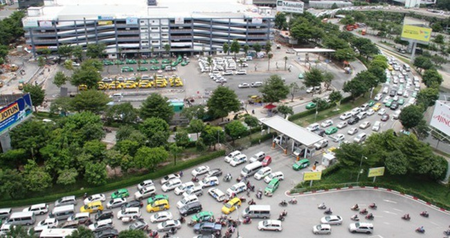 Kẹt xe - Nỗi ám ảnh ở cửa ngõ sân bay Tân Sơn Nhất