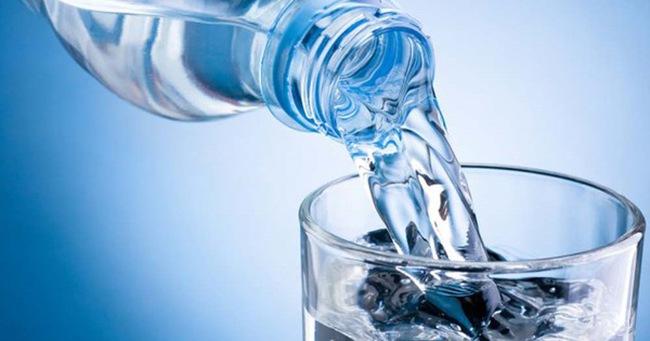 Chỉ cần uống một cốc nước đúng thời điểm có thể cứu được cả tính mạng của bạn